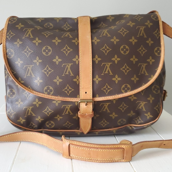Louis Vuitton Handbags - Louis Vuitton Saumur 35 Messenger Bag
